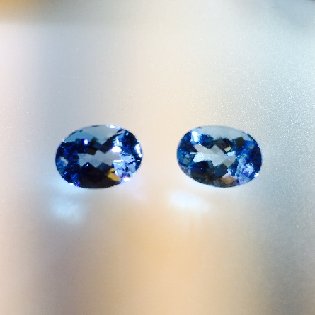 pair of loose oval aquamarines; total weight 2.86 carat; approx. 8.6x6.2mm We could split the set; but they are so beautifully matched it would be a shame to break them up!