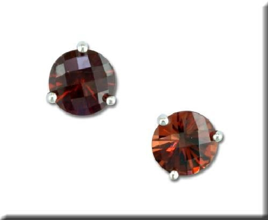 14 karat white gold 3-prong martini setting earrings with 5mm checkerboard garnet