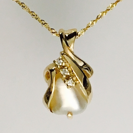 14 karat yellow gold pendant with Biwa pearl; swirls of gold encase sides of pearl; single prong on one side; row of three diamonds =.05cttw opposite; on 18 inch Singapore chain